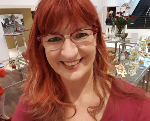 Super Sabine mit Brille