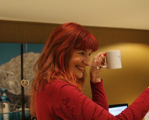 Super Sabine mit Tasse